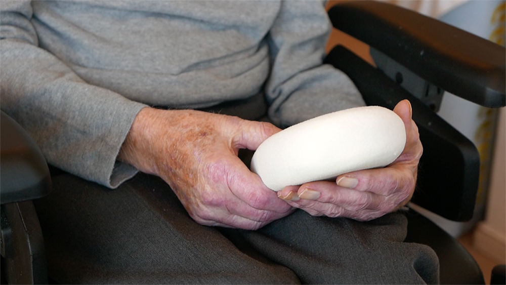 Testing Mouving Memories prototypes with elderly suffering from Alzheimer